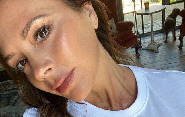 Женщина-вдохновение: 46-летняя Виктория Бекхэм поразила натуральной красотой и молодостью