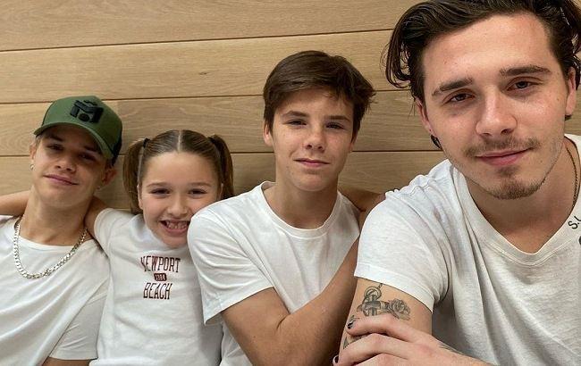 Идеальные дети: Виктория Бекхэм умилила сеть трогательным семейными фото