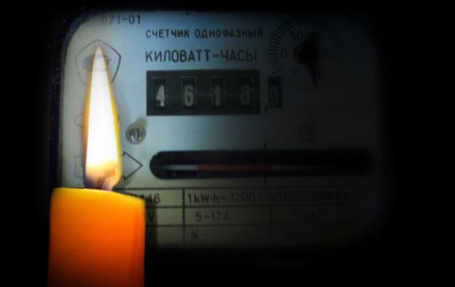 Фото: свічка (колаж)