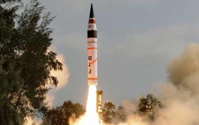 Индия испытала баллистическую ракету Agni II: она способна нести ядерный заряд
