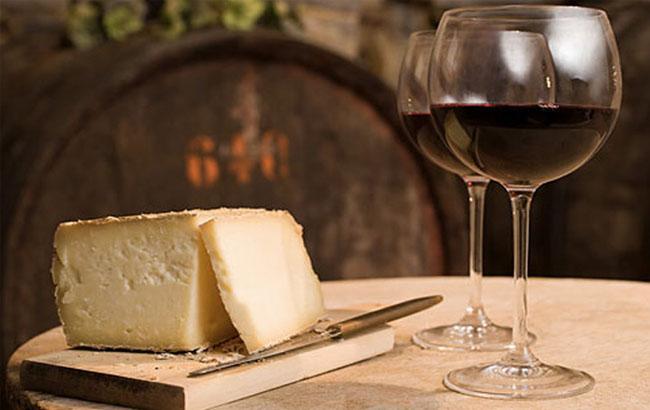 Смак троянд, шоколаду і тютюну: складено список найбільш популярних у світі вин