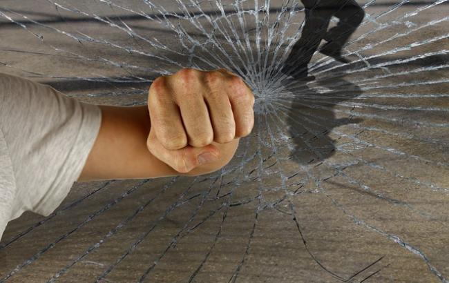 """""""Захиститися і врятувати"""": що робити при нападі, як надати першу допомогу і впоратися зі стресом"""