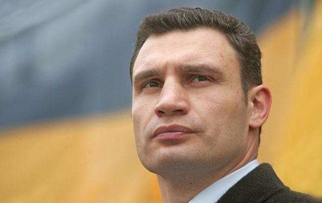 Кличко и Береза проходят во второй тур выборов мэра Киева по итогам подсчета 37% голосов