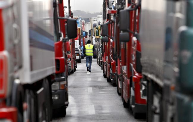 Фото: протест дальнобойщиков между Сербией и Хорватией