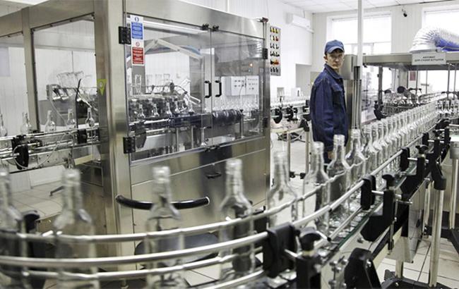 Украина в мае сократила производство водки на 3,1%
