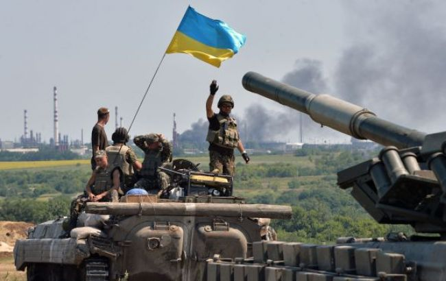 Боевики вечером 30 раз обстреляли позиции сил АТО, - штаб