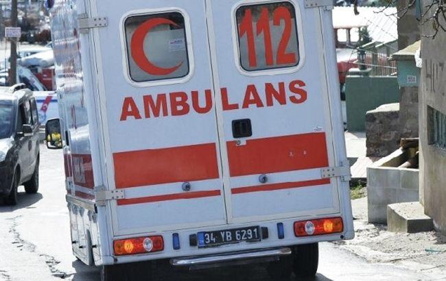 В Турции автобус с туристами столкнулся с грузовиком