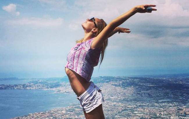 Українська синхроністка схвилювала Париж сольним номером під народну пісню