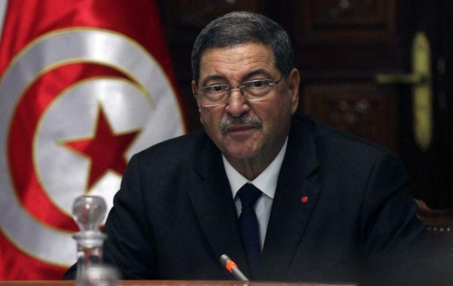 Фото: премьер-министру Туниса Хабиб Эссиду