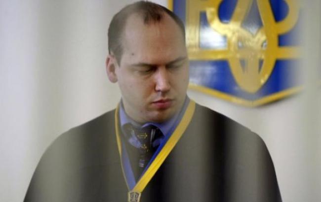 Судья Печерского районного суда г. Киева Сергей Вовк отстранен от должности.