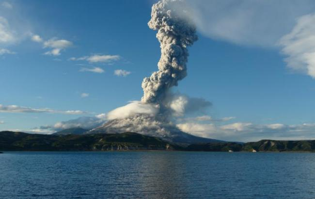 Фото: извержение вулкана