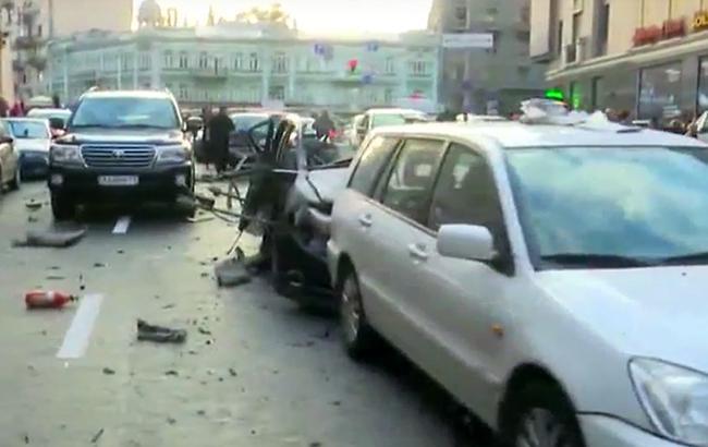 """Фото: під час вибуху авто постраждала жінка (youtube.com телеканалу """"112 Україна"""")"""
