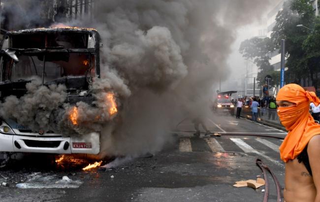 Жертвами взрыва вПакистане стали 25 человек
