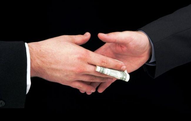 В Киевской обл. чиновники требовали взятку в размере 14 млн грн