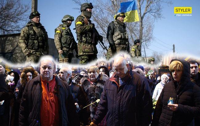 Соціологи з'ясували, що думають українці про війну на Донбасі