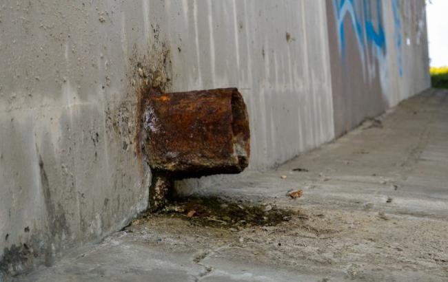 Для ветаранів Криму провели екскурсію по каналізації і недобудованим дитсадкам
