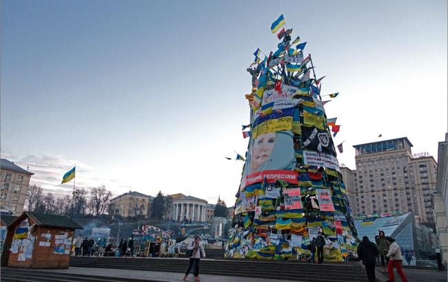 "Фото: ""Йолка"" на Майдане (igor-salnikov.livejournal.com)"