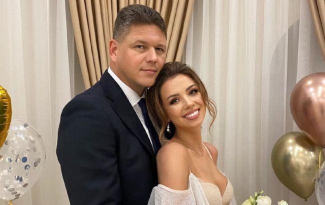 Настя из Уханя вышла замуж за главу Государственной миграционной службы: первые фото