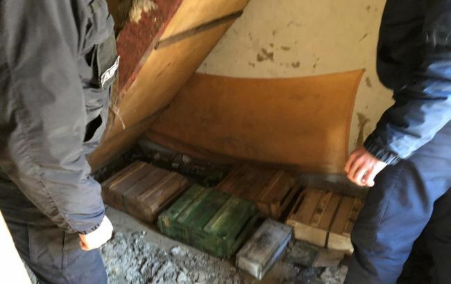 У Торецьку правоохоронці виявили арсенал боєприпасів та ручний гранатомет