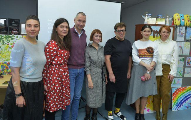 """Благодійний фонд Ложкіна приєднався до акції """"Таблеточек"""" і додав до мільйона гривень ще 1 млн"""
