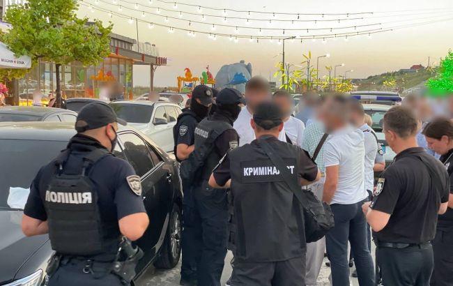 Затриманому за стрілянину на весіллі під Одесою загрожує в'язниця, - поліція