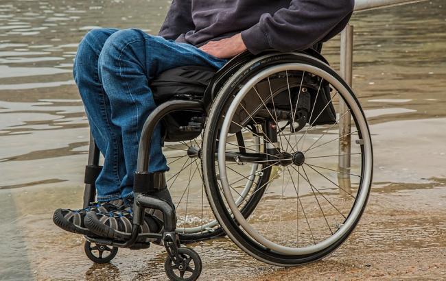 У Росії прикутого до візка інваліда засудили до 4,5 років колонії за розбій