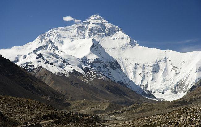 Китай і Непал уточнили висоту Евересту. Виявився майже на метр вище