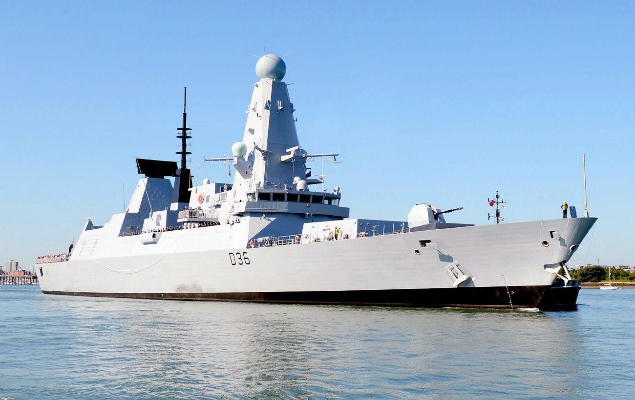 """Опубликовано видео """"обстрела"""" Россией британского эсминца в Черном море"""
