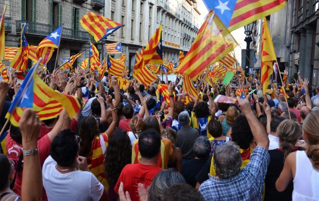 У Барселоні тисячі людей вийшли надемонстраціющодо незалежності Каталонії