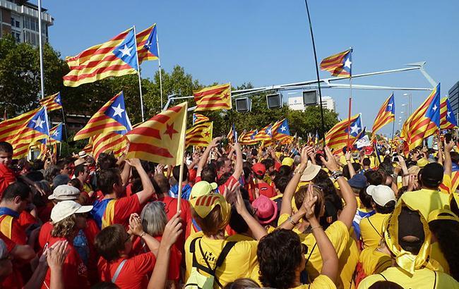 Туск призвал Каталонию отказаться от независимости