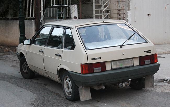 У украинца забрали авто за чужие долги