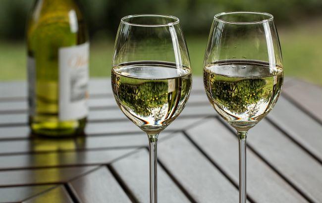 Алкоголь може захистити від деяких хвороб: кому корисне спиртне
