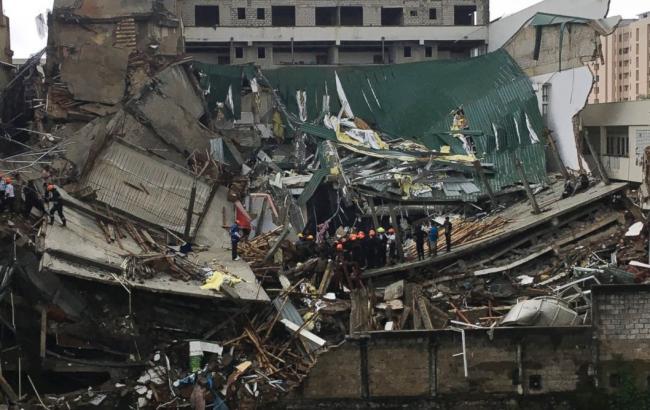 Фото: на Шрі-Ланці звалилося п'ятиповерхова будівля