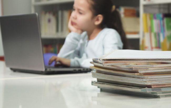 В Украине разрешили детям учиться дома: как это будет работать