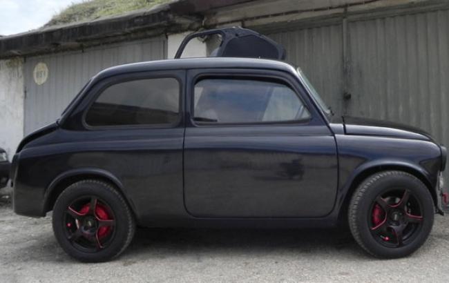 Фото: Художники подарили старому авто вторую жизнь (f-a.d-cd.net)