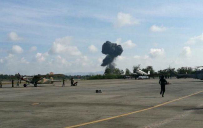Фото: у Таїланді розбився винищувач