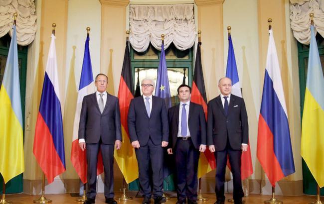 У Берліні домовилися розглянути відведення танків і зброї калібром до 100 мм