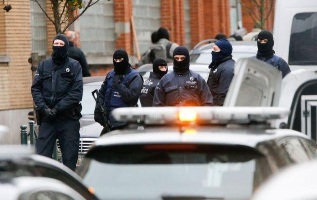 На улице де ла Луа в Брюсселе саперы провели контролируемый взрыв