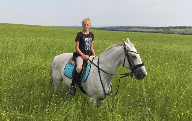 Живет в России, очень любит лошадей: стало известно, где обитает вторая дочь Корнета