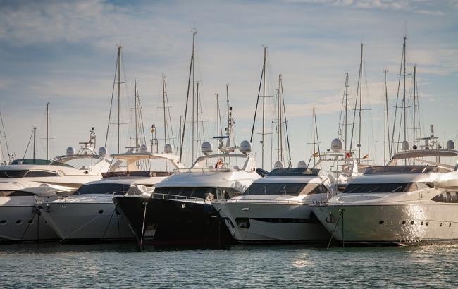 Фото: Нардеп переписал яхт-клуб на помощников (pixabay.com/Pexel)