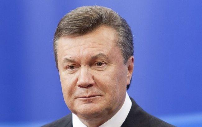 Фото: в Україні заарештували парк ретро автомобілів Віктора Януковича
