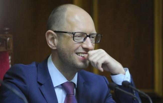 Україна отримає перший транш кредиту МВФ до 15 березня, - Яценюк