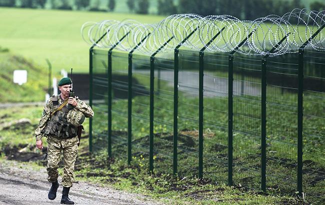 68223f0b62b6 В Сумской области у границы с Россией пограничники задержали автомобиль с  комплектующими частями военной техники. Об этом сообщает пресс-служба ...