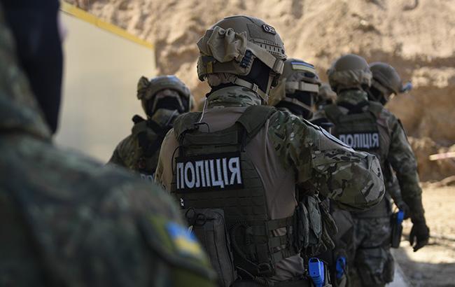 В Києві сталося збройне пограбування магазину мобільних телефонів