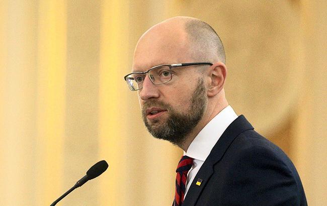 Яценюк может пойти на выборы в Раду по округу в Черновицкой области, - источник
