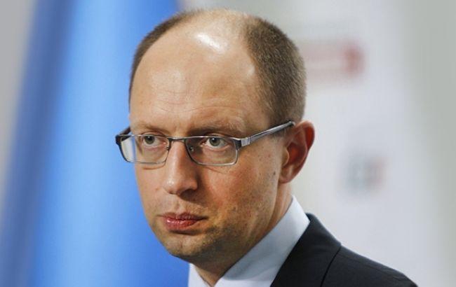 Арсеній Яценюк переконує соратників, що дострокові парламентські вибори можуть пройти лише разом з президентськими аналогічними
