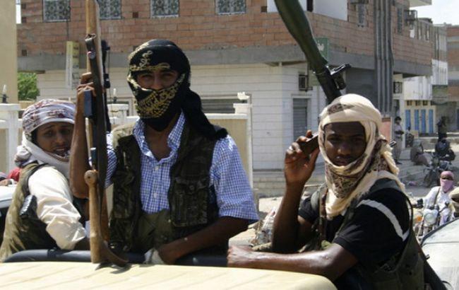 """В Ємені бойовики """"Аль-Каїди"""" стратили 20 урядових військових"""