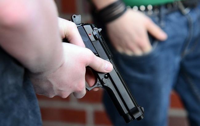 Фото: Пистолет (pixabay.com/Jabbacake)