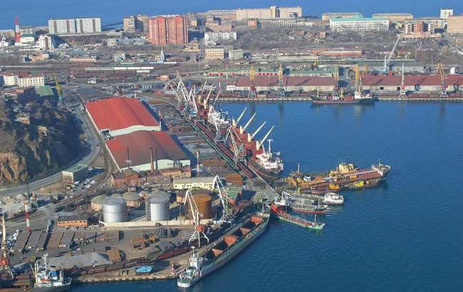 Гройсман передумал углублять дно в порту «Южный»