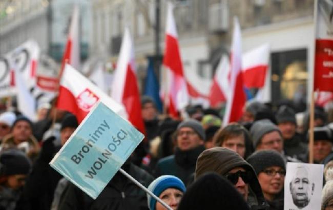 Фото: мітинги в Польщі